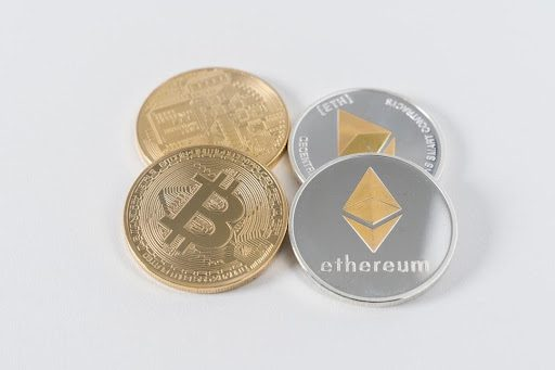 What Are the Main Differences Between Bitcoin and Ethereum?