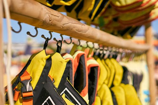 5 Things to Consider When Choosing a Boating Life Jacket