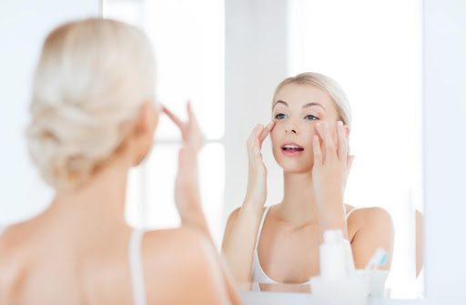 How To Smooth Out Stubborn Neck Wrinkles